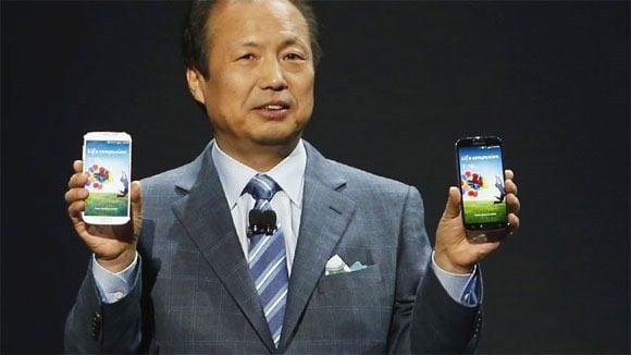 Galaxy S4 o CEO da Samsung J. K. Shin