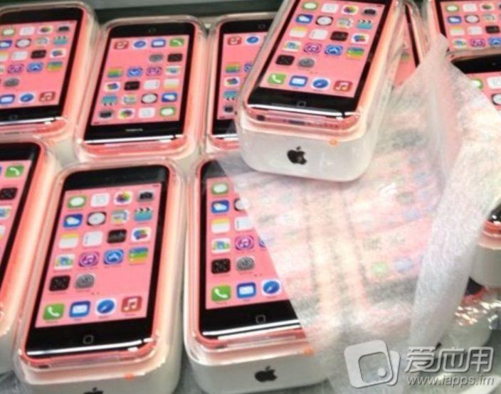 Fotos do iPhone 5C pronto para venda surgem na internet