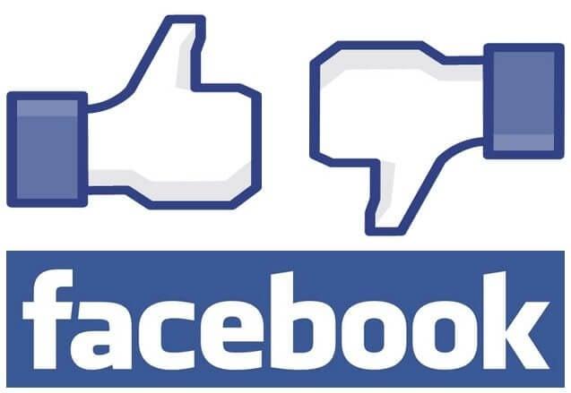Estudante processa o Facebook