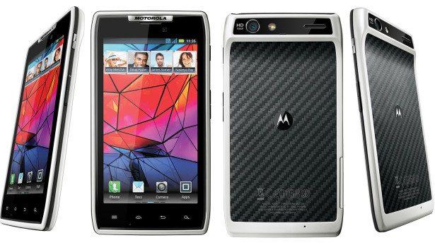 motorola razr branco white - Motorola lança smartphone RAZR na cor branca