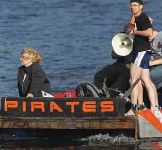 """""""Piratas"""" compram mais música do que outros usuários na internet"""
