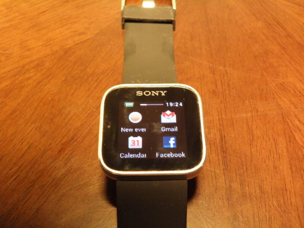 P3240261a - Review: Sony Smartwatch