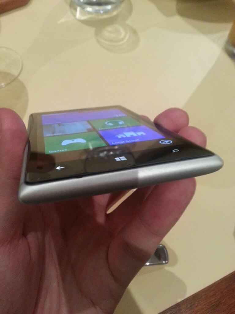 2013 05 16 20.53.36 - Hands-On: Nokia Lumia 925