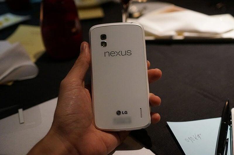 Nexus Swan deve ser lançado amanhã (Nexus 4 branco)