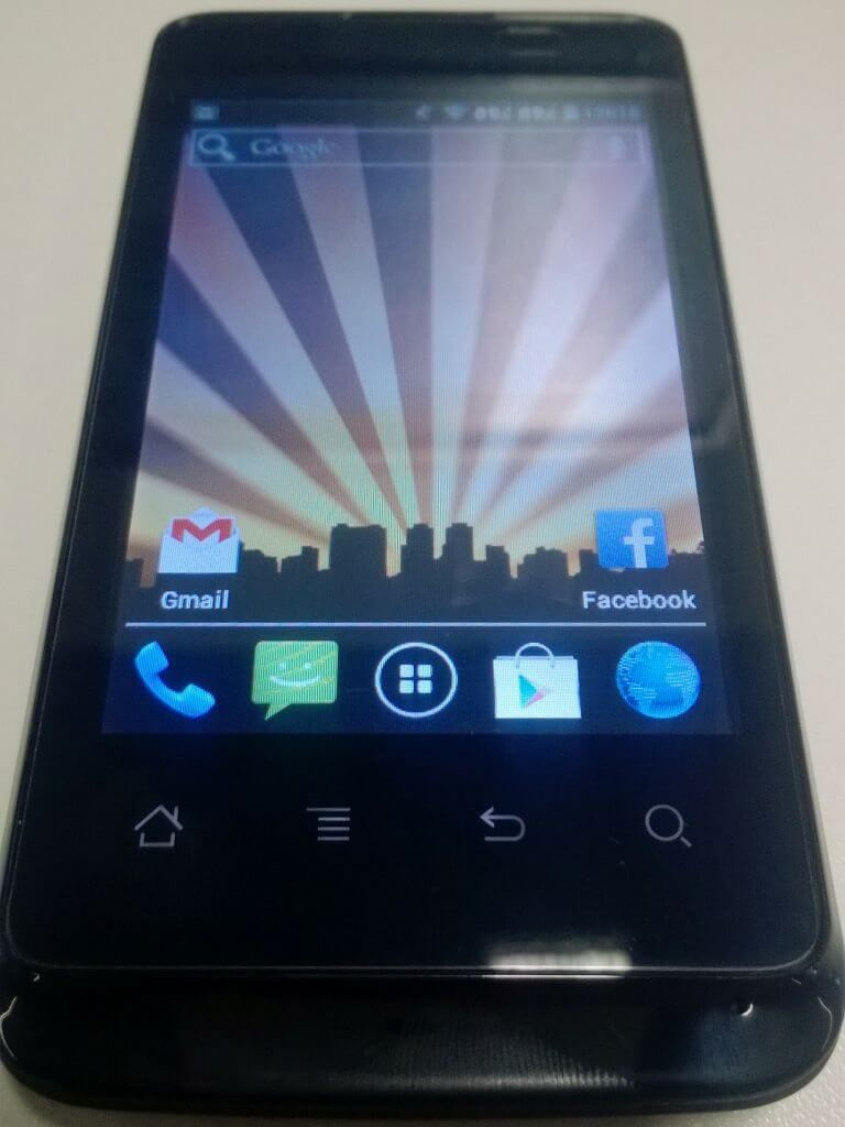 Review: smartphone CCE SK351
