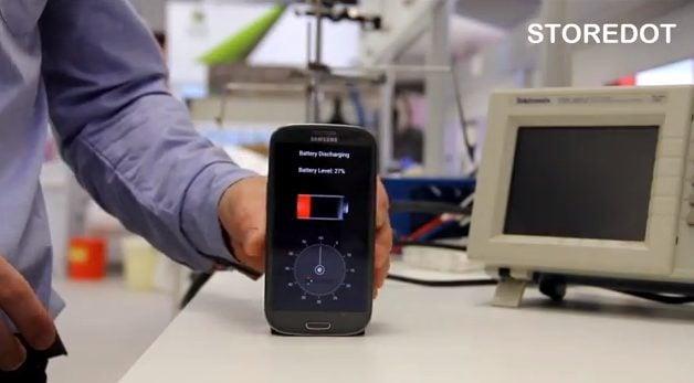 Captura de Tela 2014 04 08 às 17.11.16 - Carregador ultrarrápido leva 30 segundos para completar bateria de smartphone