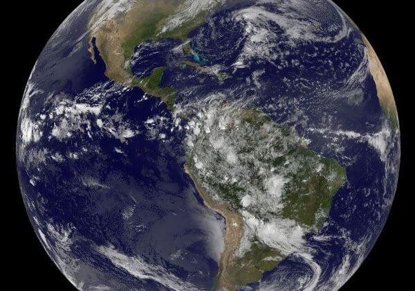 Passagens para o espaço podem ser compradas na internet