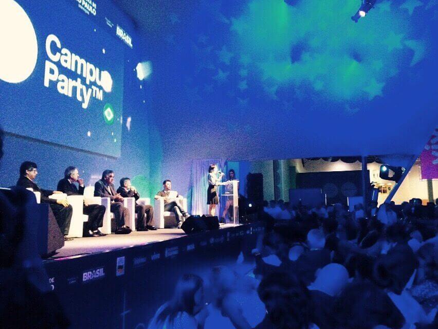 Campus Party 2015 começa com casa de vidro e anfitrião Murilo Gun