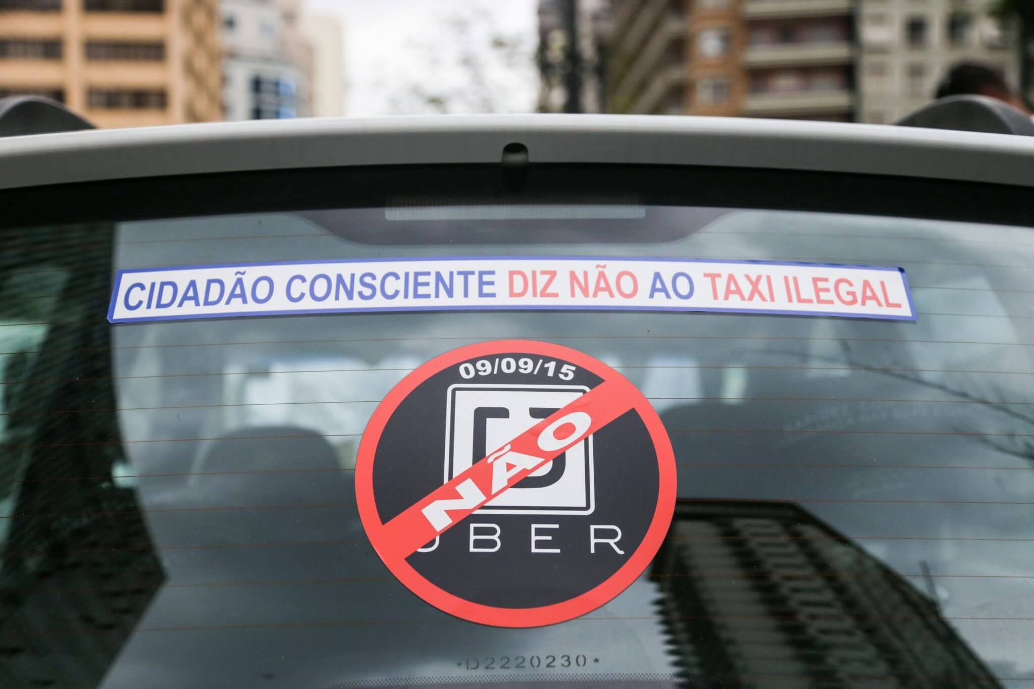 Pp protesto taxistas durante votacao do uber 090920150009