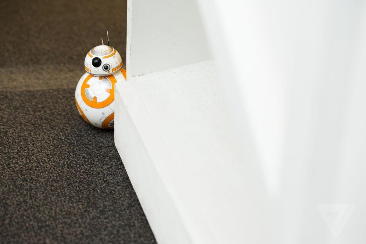 """O simpático droid BB-8 de """"Star Wars: O despertar da força"""" agora pode ser seu"""