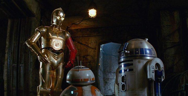 """Revelado o segredo do braço vermelho de C-3PO em """"Star Wars: O Despertar da Força"""""""