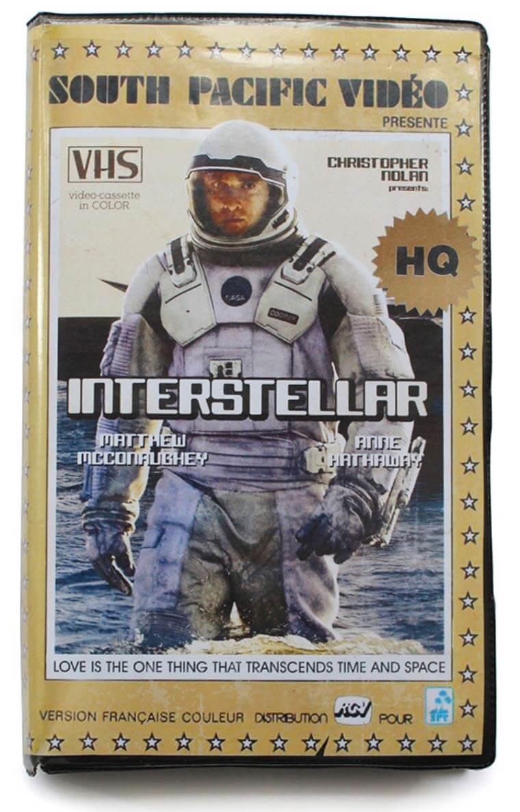 De volta para o passado: Cinéfilo adapta lançamentos do cinema em VHS 4