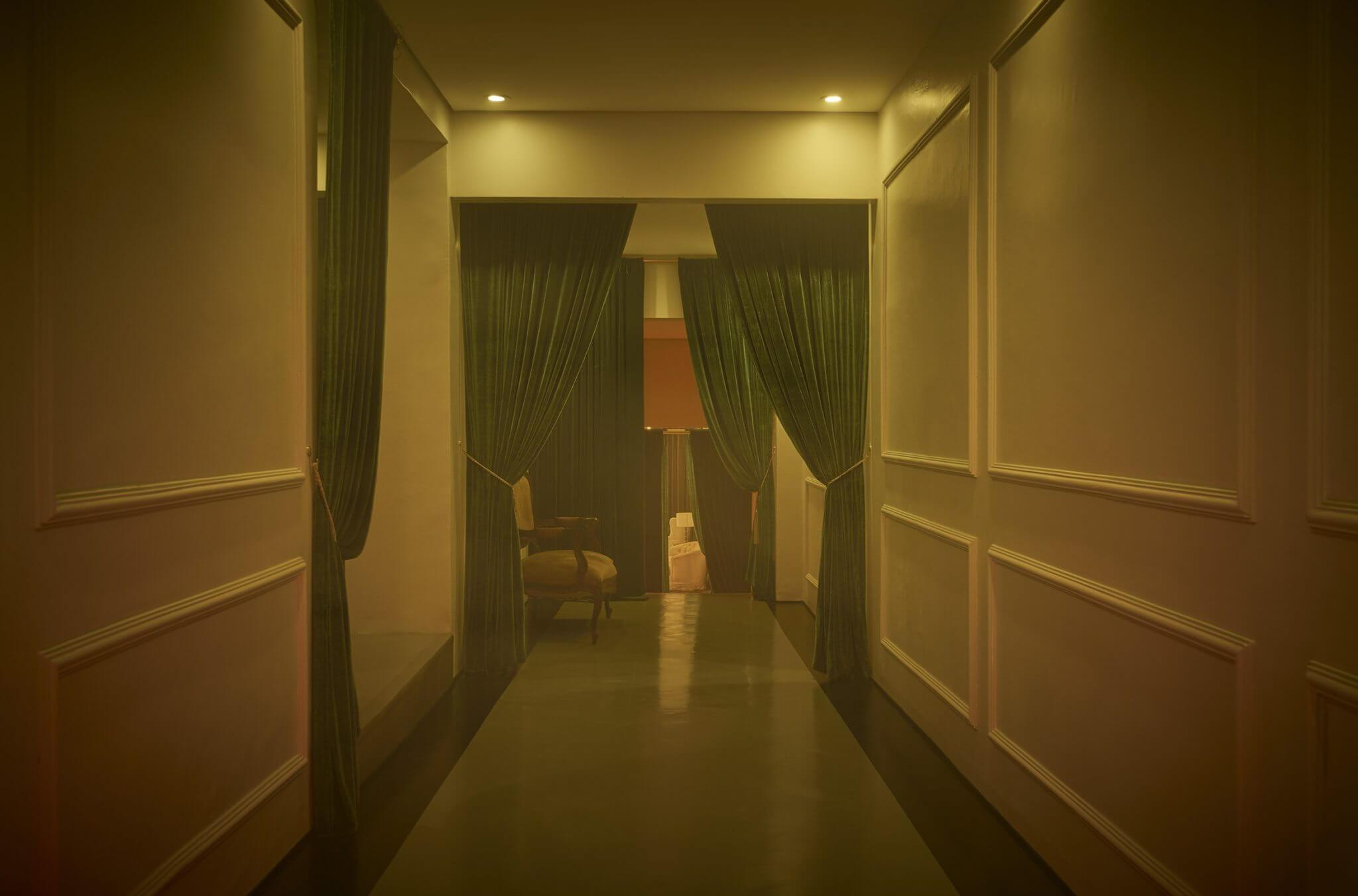 escape hotel corredor foto paulo risi