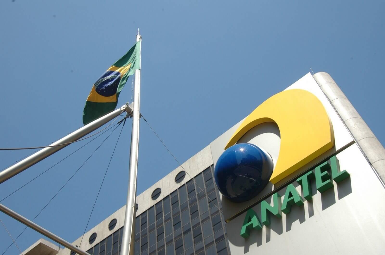 Anatel decide bloquear celulares piratas no Brasil