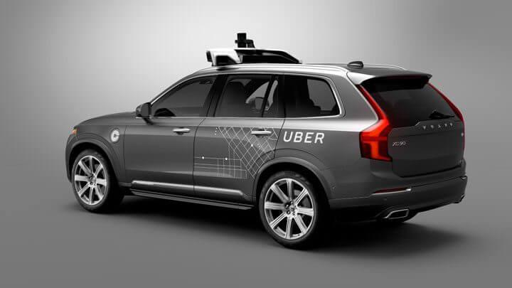 Sem piloto: Uber começa a circular com carros controlados por computador