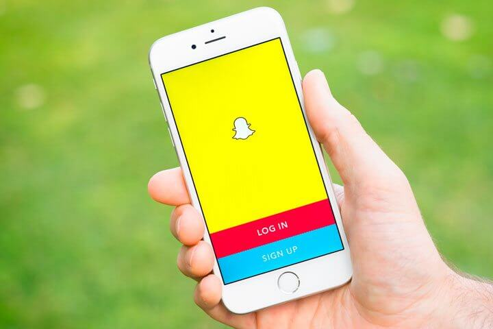 Iphone snapchat capa shutterstock 471067622