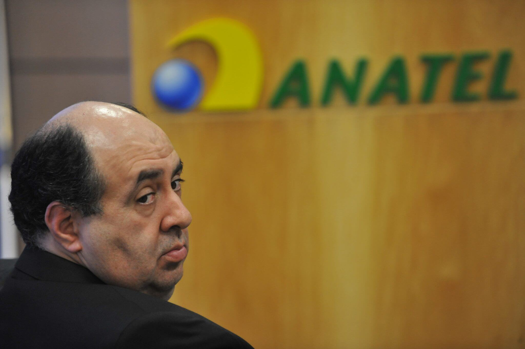 Tchau, querido: Presidente da Anatel renuncia ao cargo