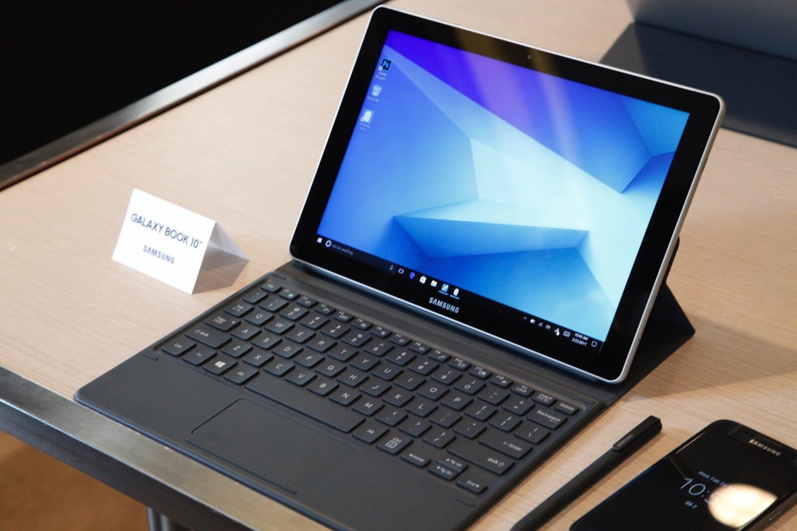 bgr samsung galaxy book 10 2 - [HANDS-ON] Samsung Galaxy Book na MWC 2017