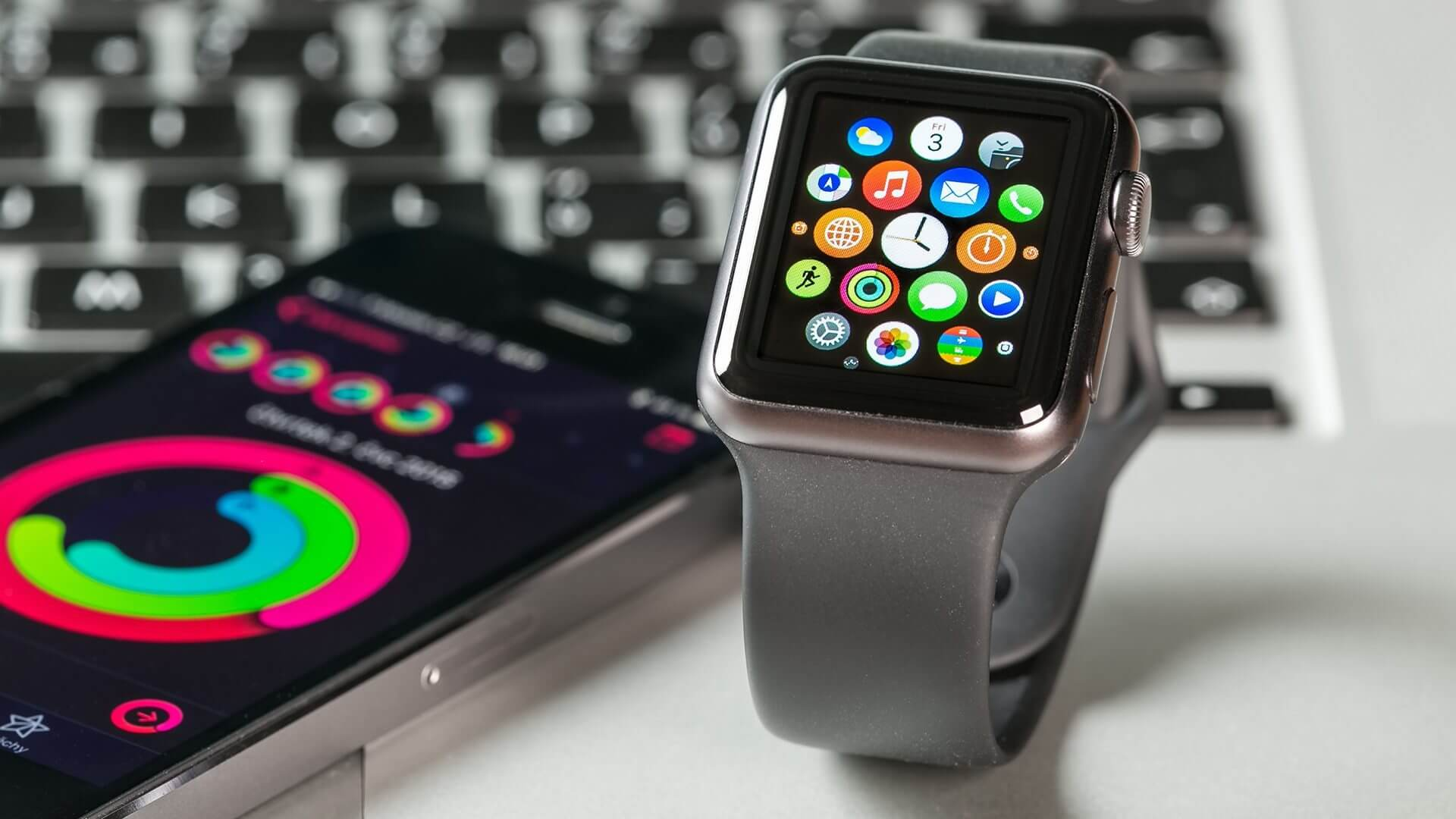 apple watch smartphone mobile devices ss 1920 - Apple Watch perde suporte ao Google Maps e outros aplicativos importantes