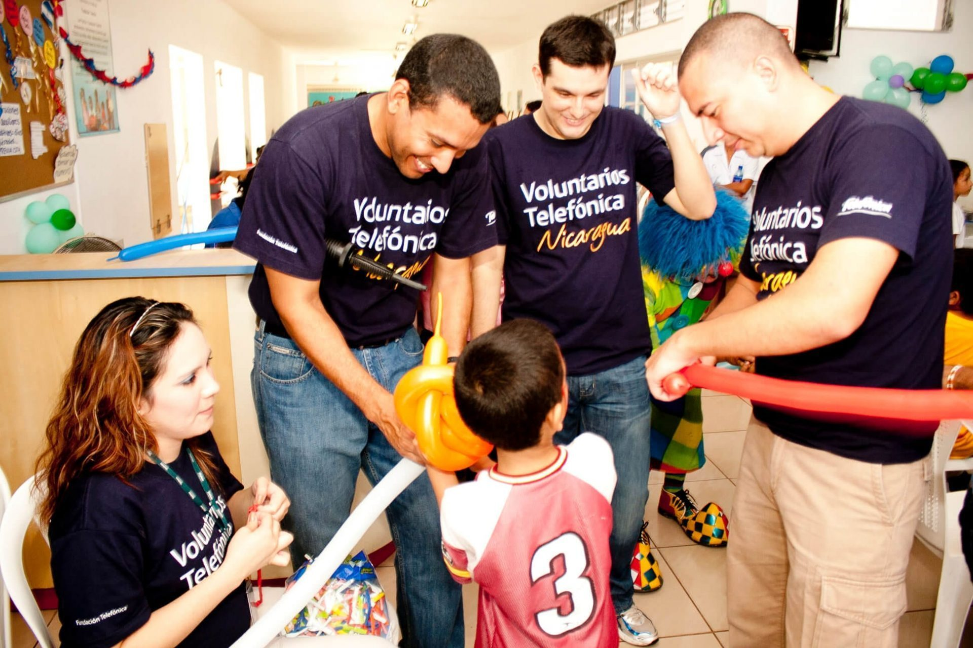 Vivo promove o dia dos voluntários telefônica sua principal ação de voluntariado e tecnologia