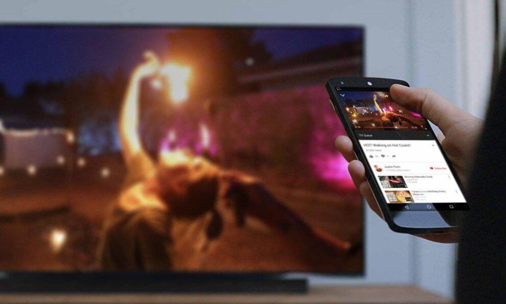 chromecast 990x595 - Como transmitir a tela do celular para a TV