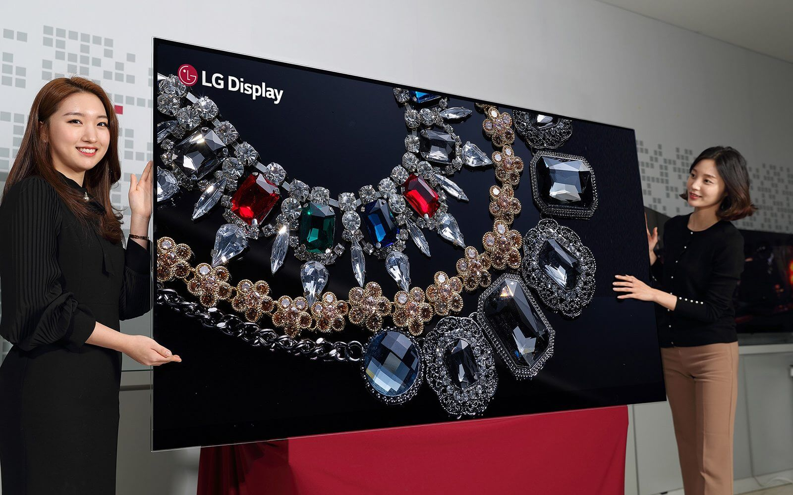 LG Display 88 inch 8K OLED Display - LG anuncia a primeira TV OLED 8K de 88 polegadas do mundo