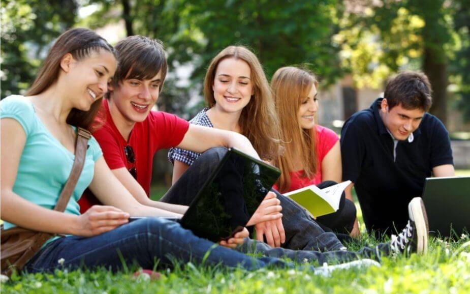 Confira os melhores programas grátis para estudantes