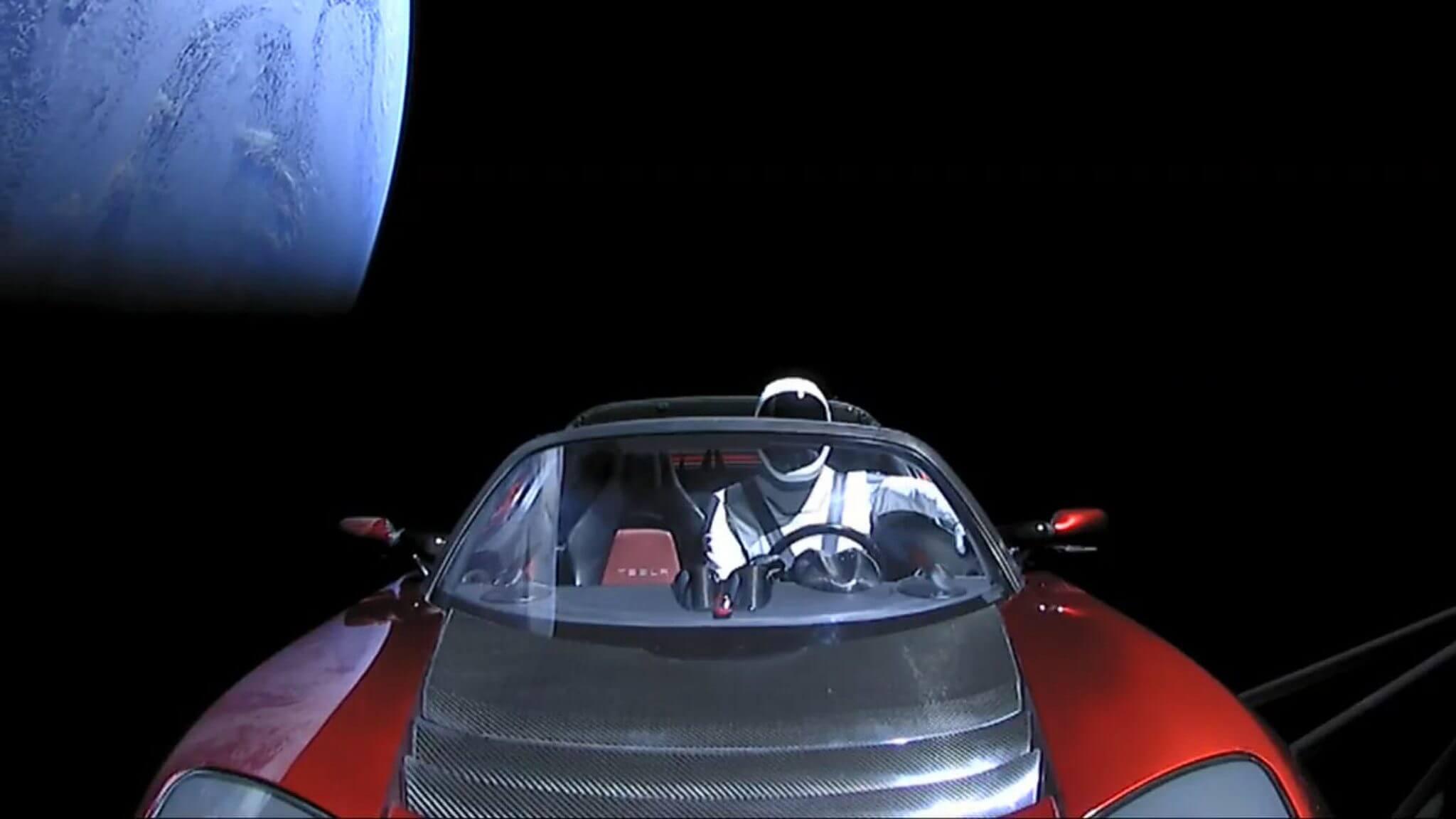 SpaceX: veja as imagens gravadas do esportivo Tesla no espaço