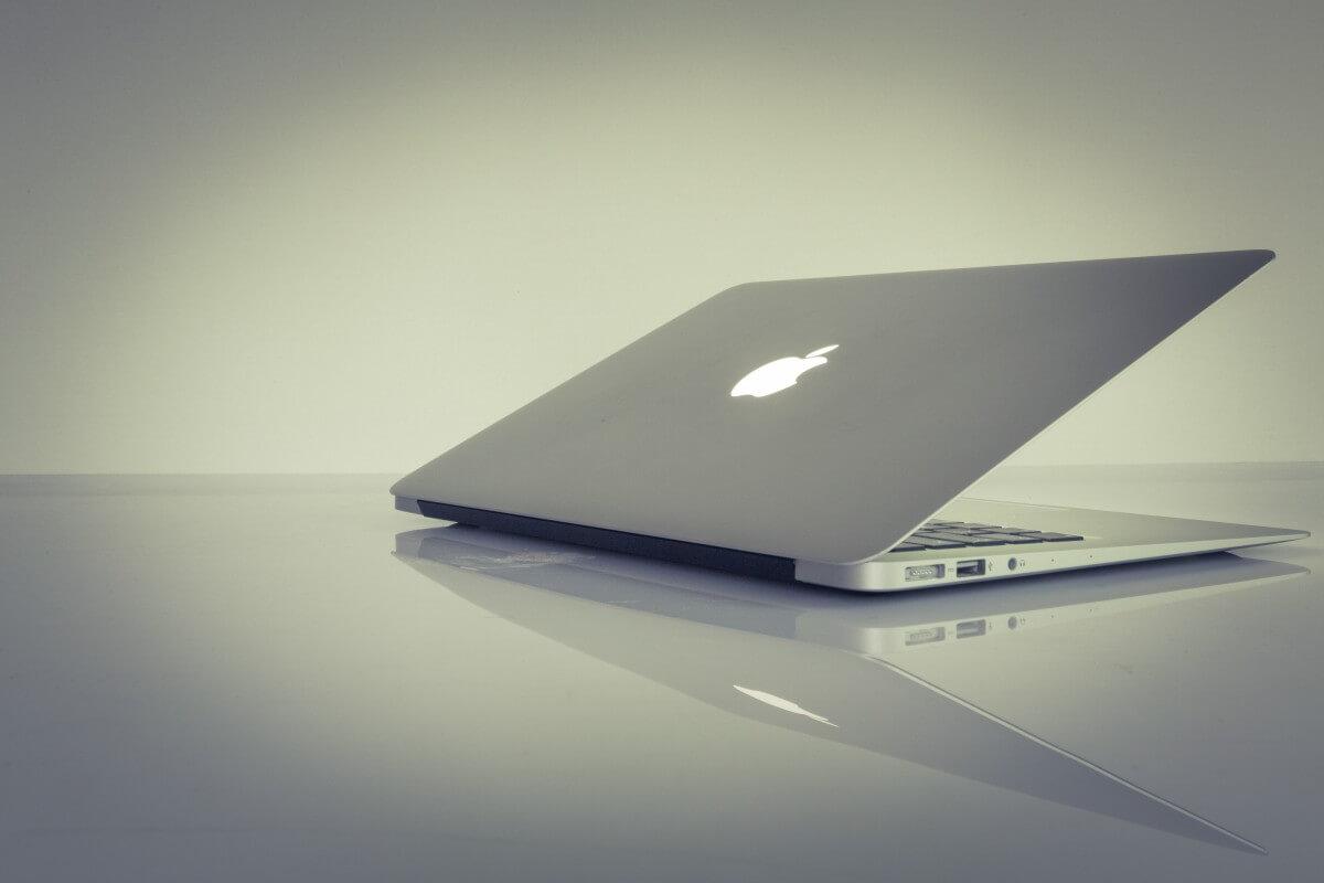 laptop notebook computer mac apple macbook air minimal minialistisch 783578.jpgd  - O plano secreto da Apple: notebook iOS com tela sensível a toque e LTE