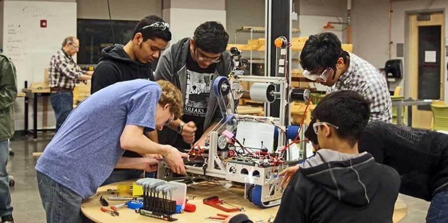 21 - Qualcomm leva robótica e conectividade para escolas públicas de SP