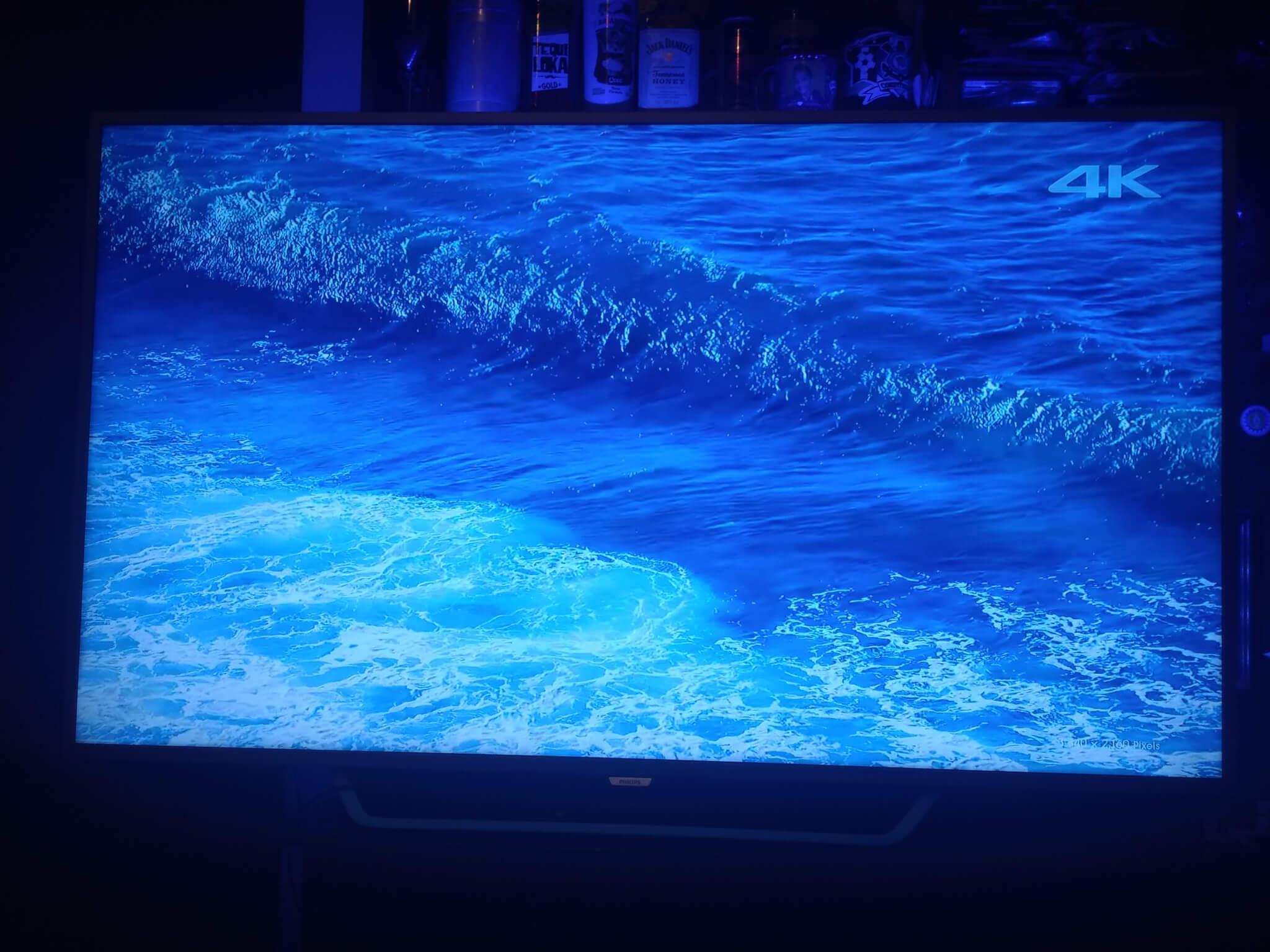 Review: TV LED Ambilight Philips 65PUG6412/78 entrega experiência impressionante