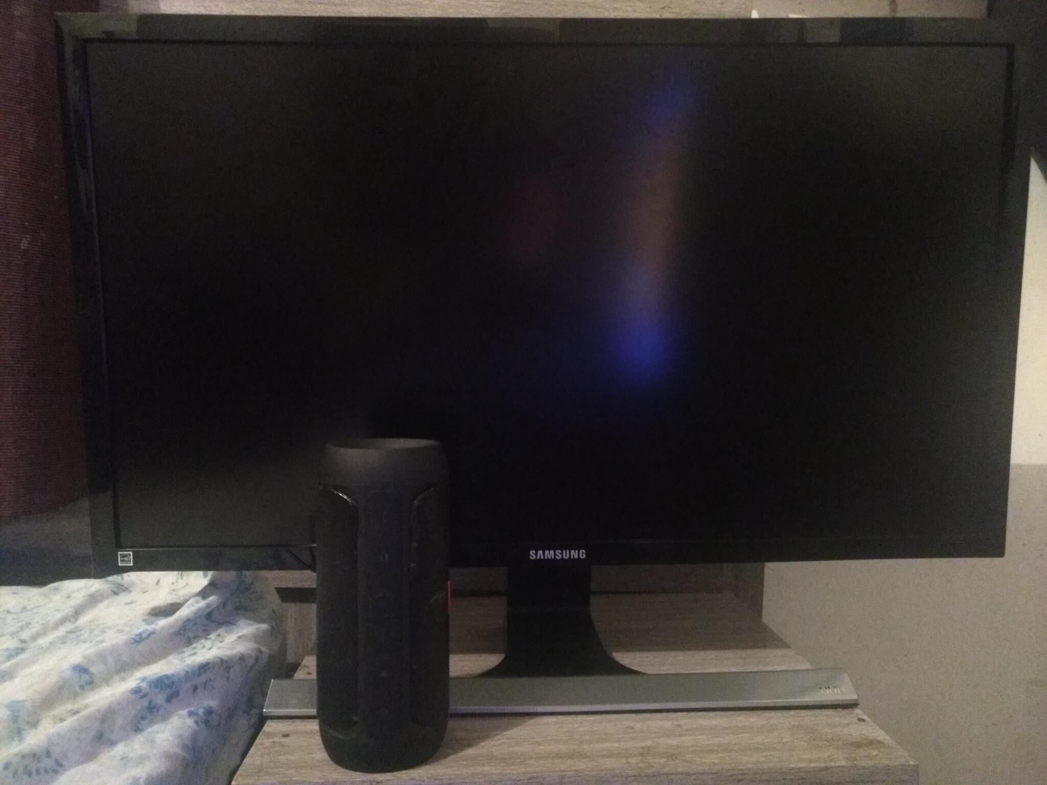 Review: monitor Samsung UHD 4K UE590 entrega imersão mesmo sem tela curva 6