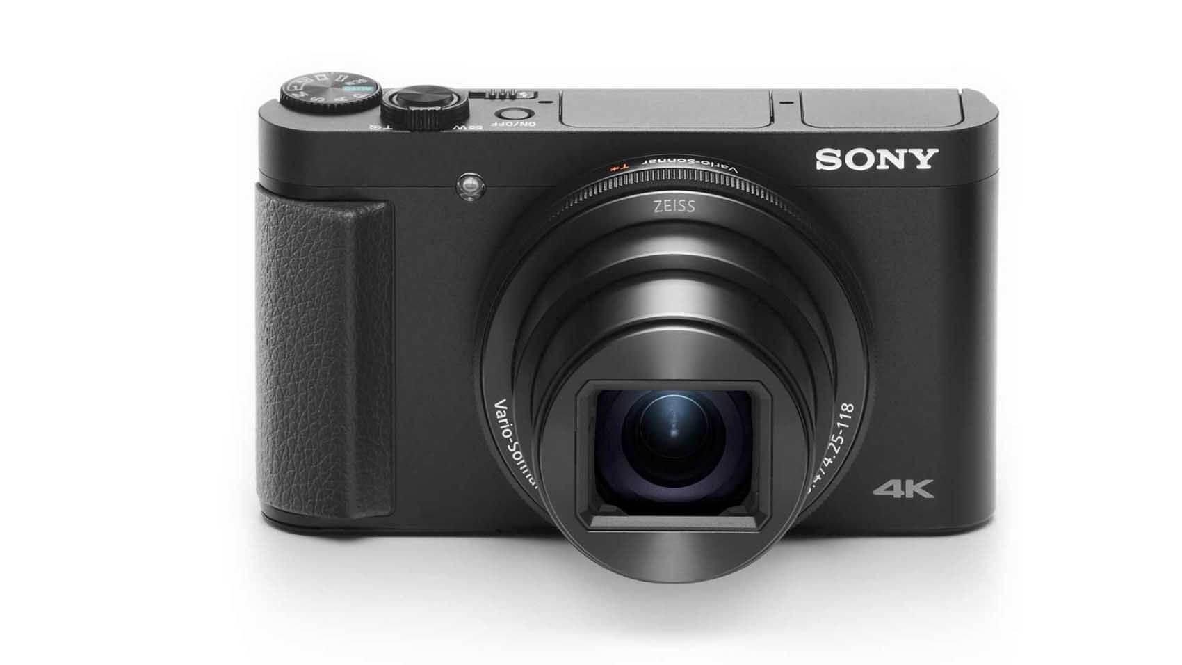 A câmera tem lente ZEISS® Vario-Sonar T* de 24-720mm1