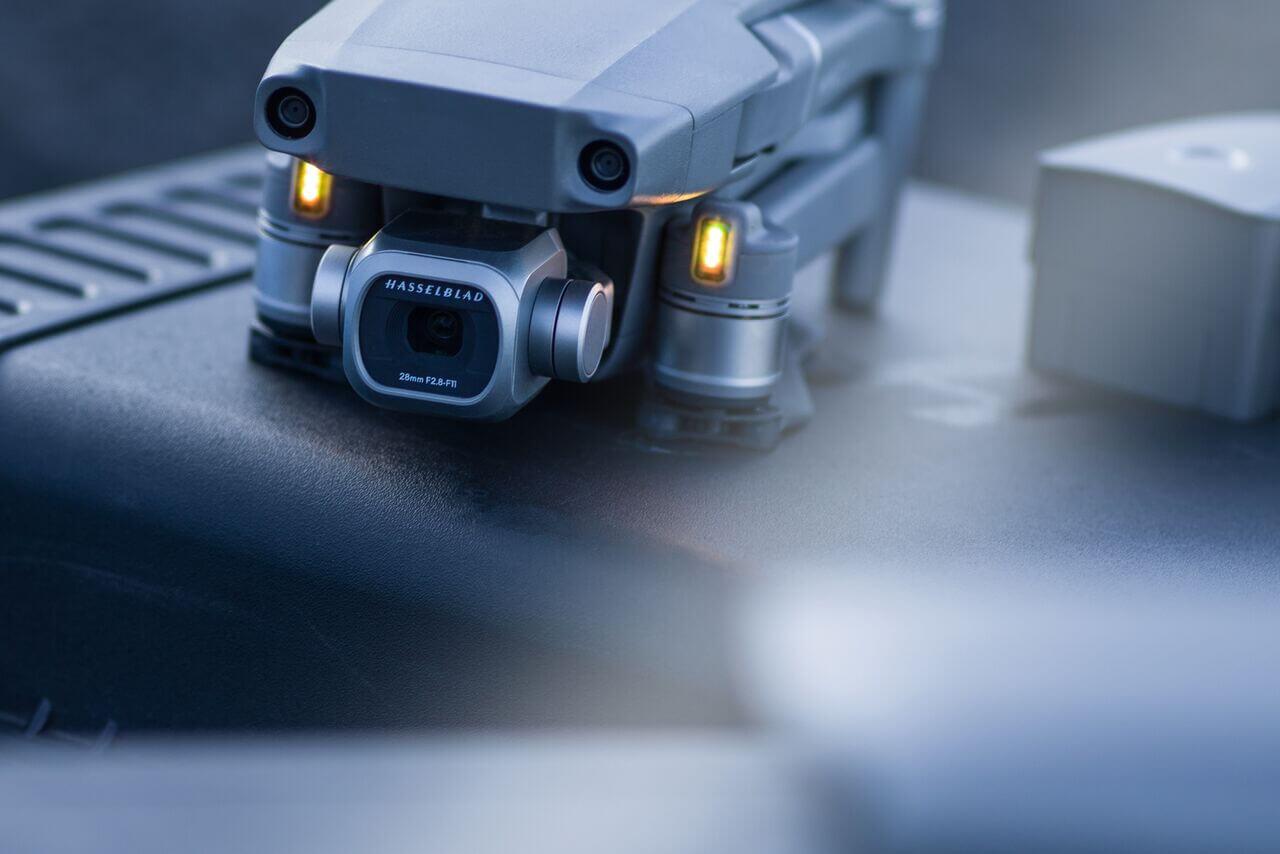 A Pro Câmera Hasselblad, com sensor de imagem de umapolegada, oferece excelente qualidade e detalhes com resolução