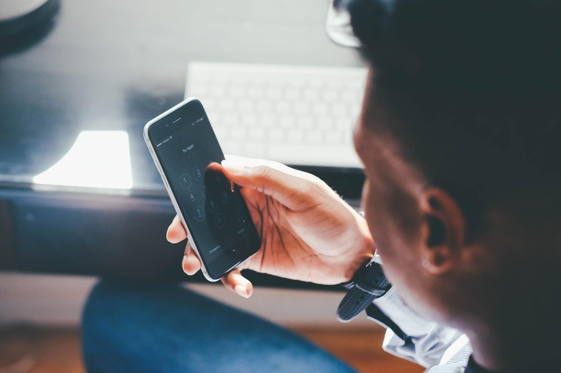 phone pincode - Smartphones e portáteis se transformam em consoles para jogadores de carta