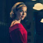 Kiernan Shipka é a bruxinha em O Mundo Sombrio de Sabrina