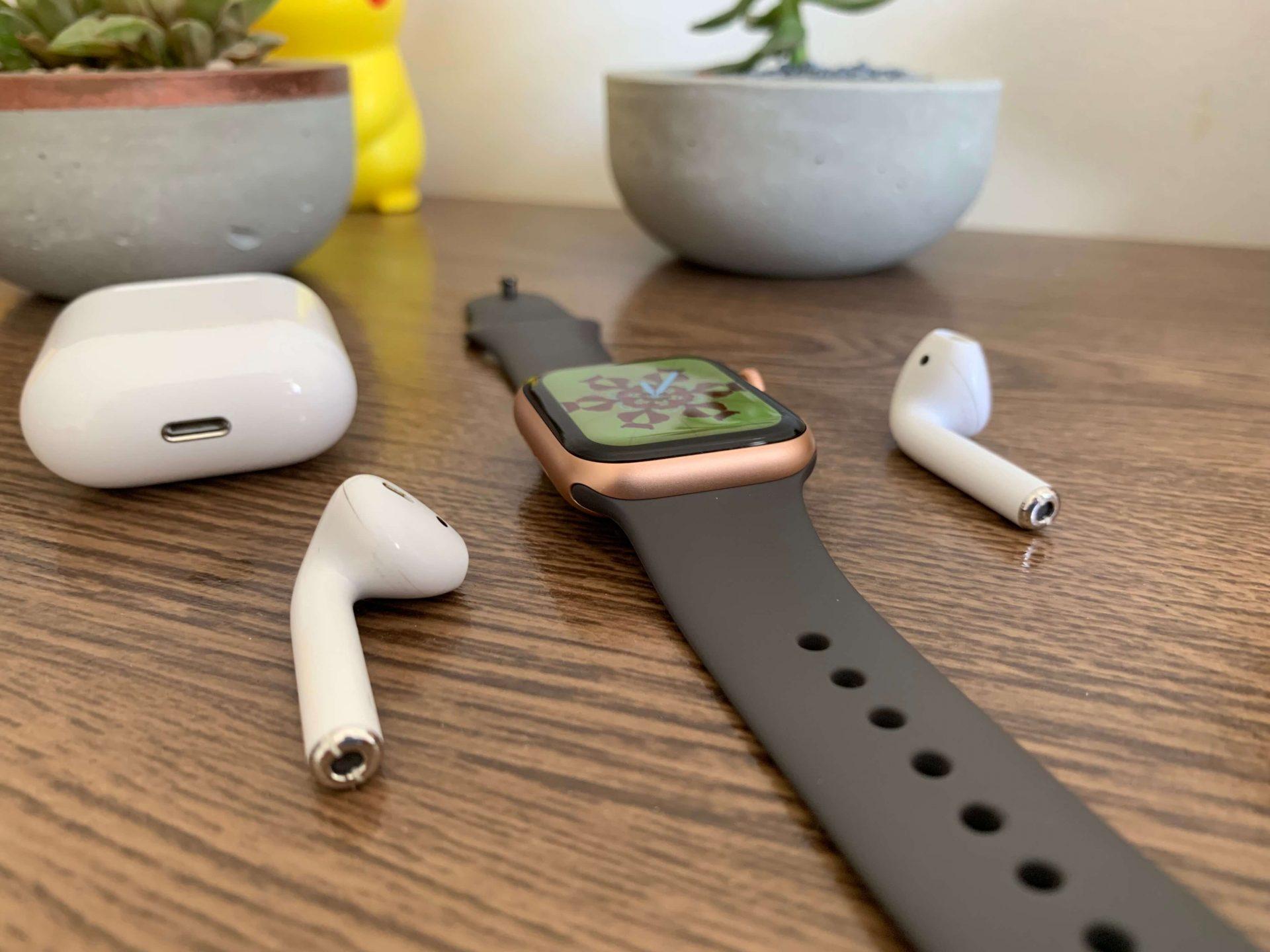 Fones bluetooth, como os airpods, são companheiros ideias do apple watch series 4