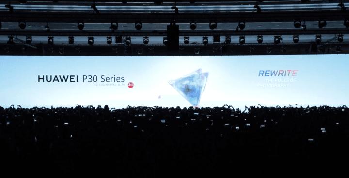 Richard Yu, CEO da Huawei, anuncia a nova linha P30