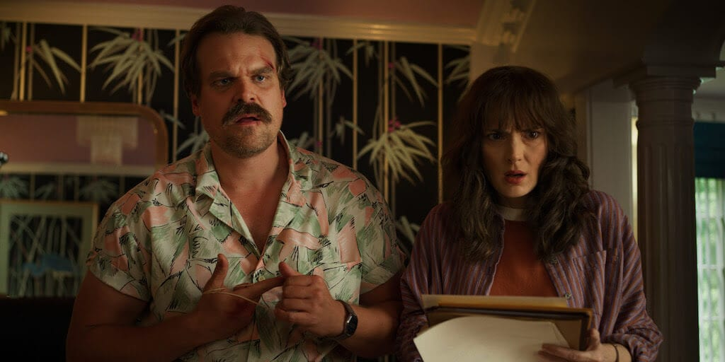 Jim Hopper e Joyce na 3ª temporada de Stranger Things
