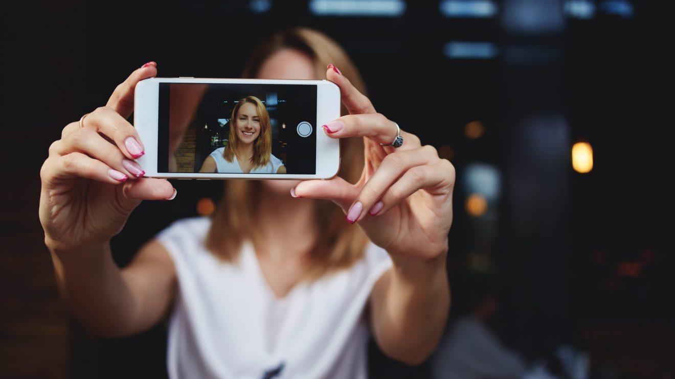 Como tirar fotos profissionais com o celular (Imagem: Deposit Photos)