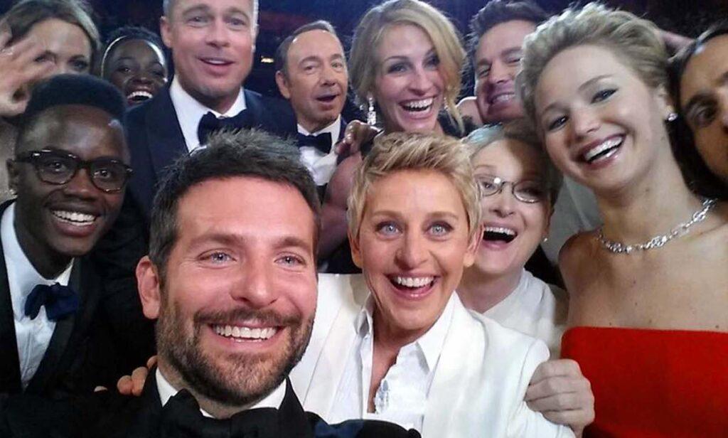 """dia da selfie: Esta foi """"a selfie"""" do Oscar de 2014. A imagem que viralizou na internet. (Imagem: 100photos.time.com)"""