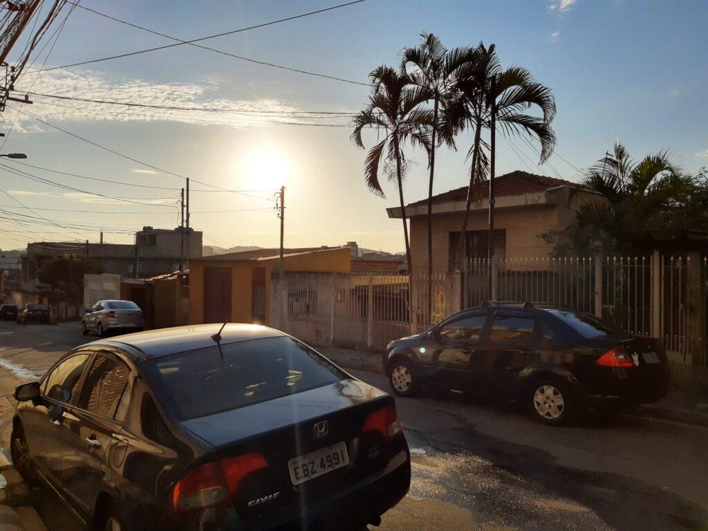 IA lidando com o pôr no sol no Motorola One Vision