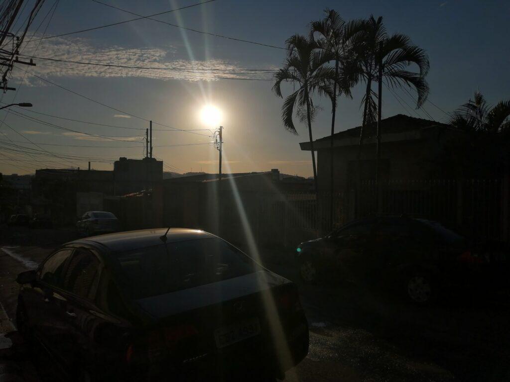 IA lidando com o pôr no sol no P30 Lite
