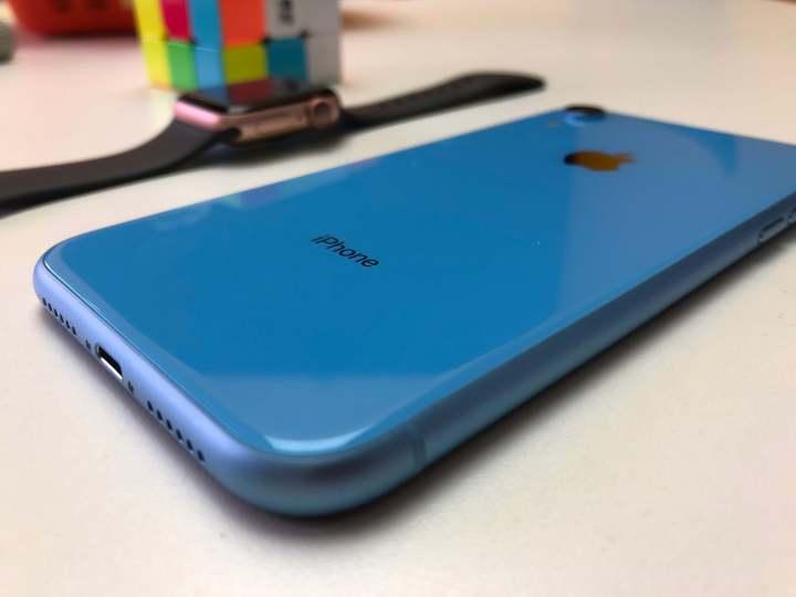 O iphone xr é uma tentativa de trazer os recursos topo de linha para uma faixa de preço mais acessível