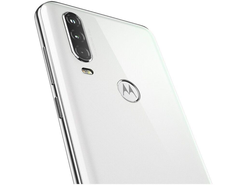 Diferença em relação ao Motorola One Action fica nas câmeras, que possui um sensor extra para vídeos
