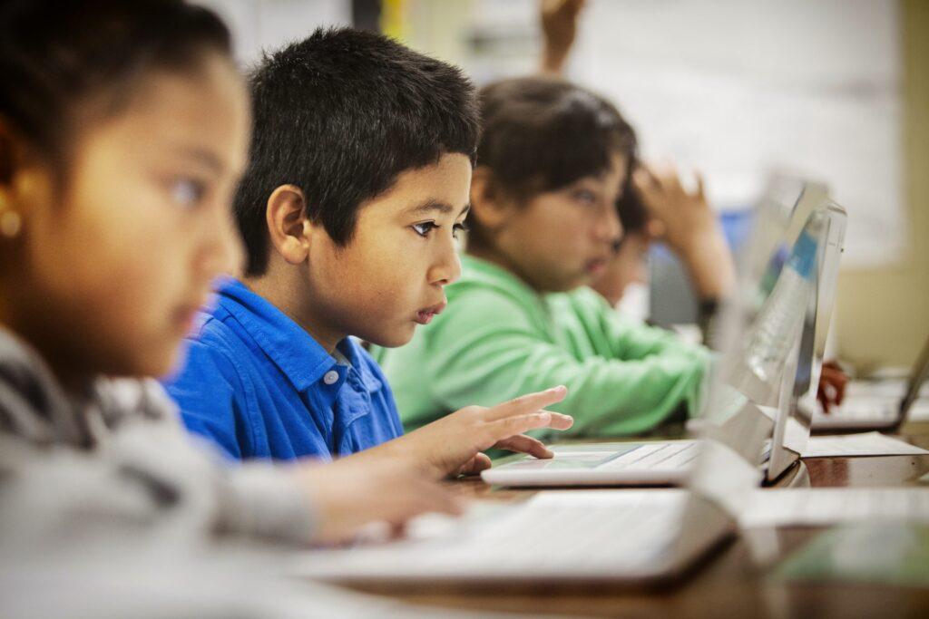 77% apontam que o maior desafio é envolver os alunos