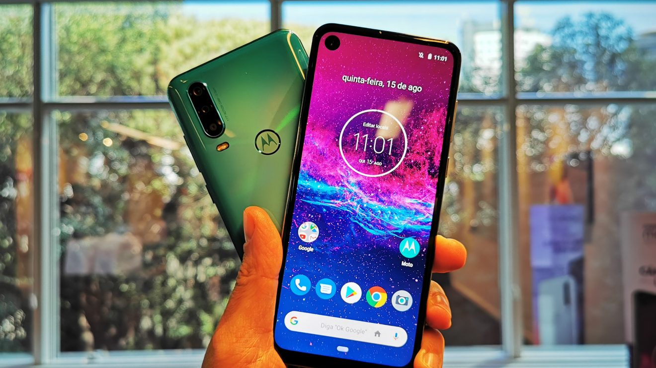 Motorola One Action de costas