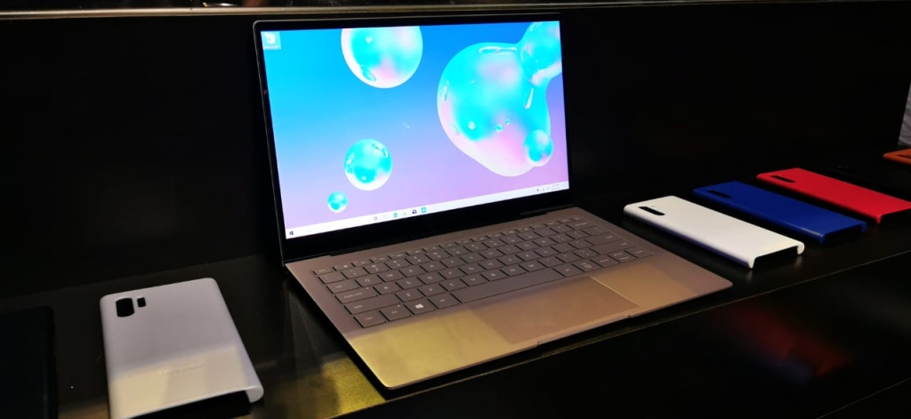 Novo notebook Galaxy Book S traz tela de 13,3 polegadas TFT