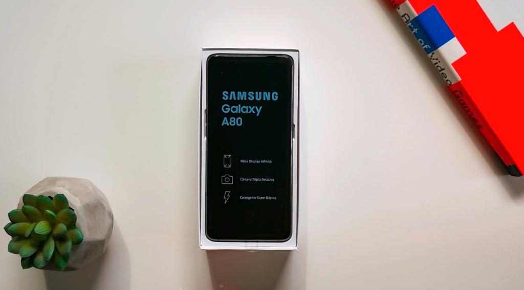 Smartphone quase sem bordas da Samsung
