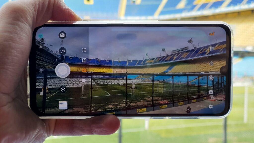 Câmera Ultra Wide (ela tem o símbolo 0,5x na tela)
